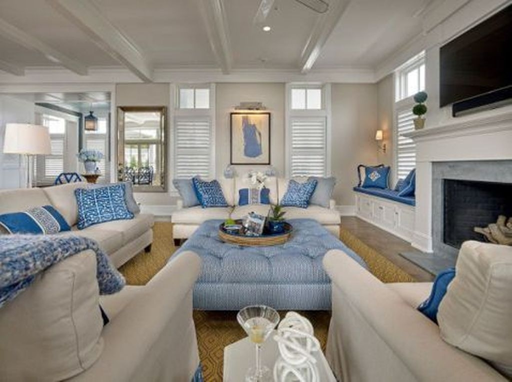 Amazing Coastal Living Room Decoration Ideas You Must Try 23