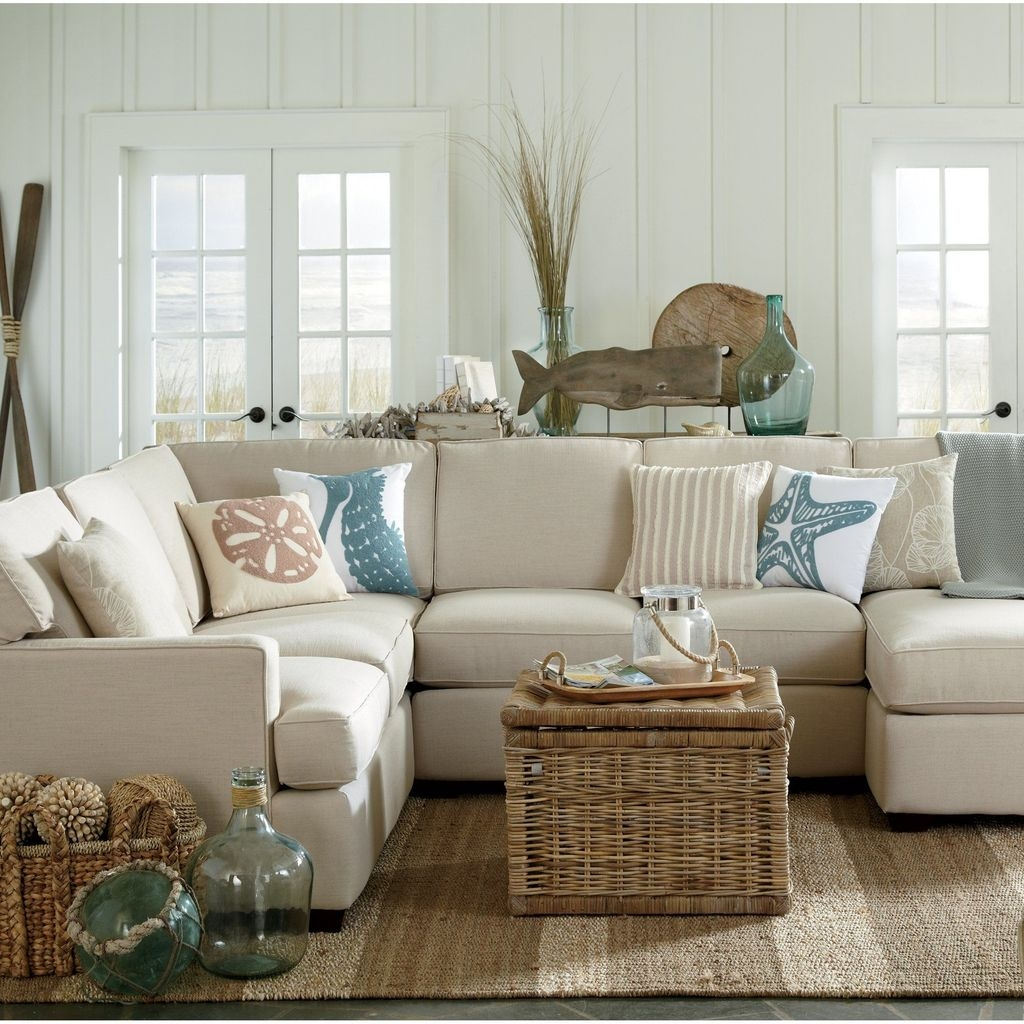 Amazing Coastal Living Room Decoration Ideas You Must Try 32