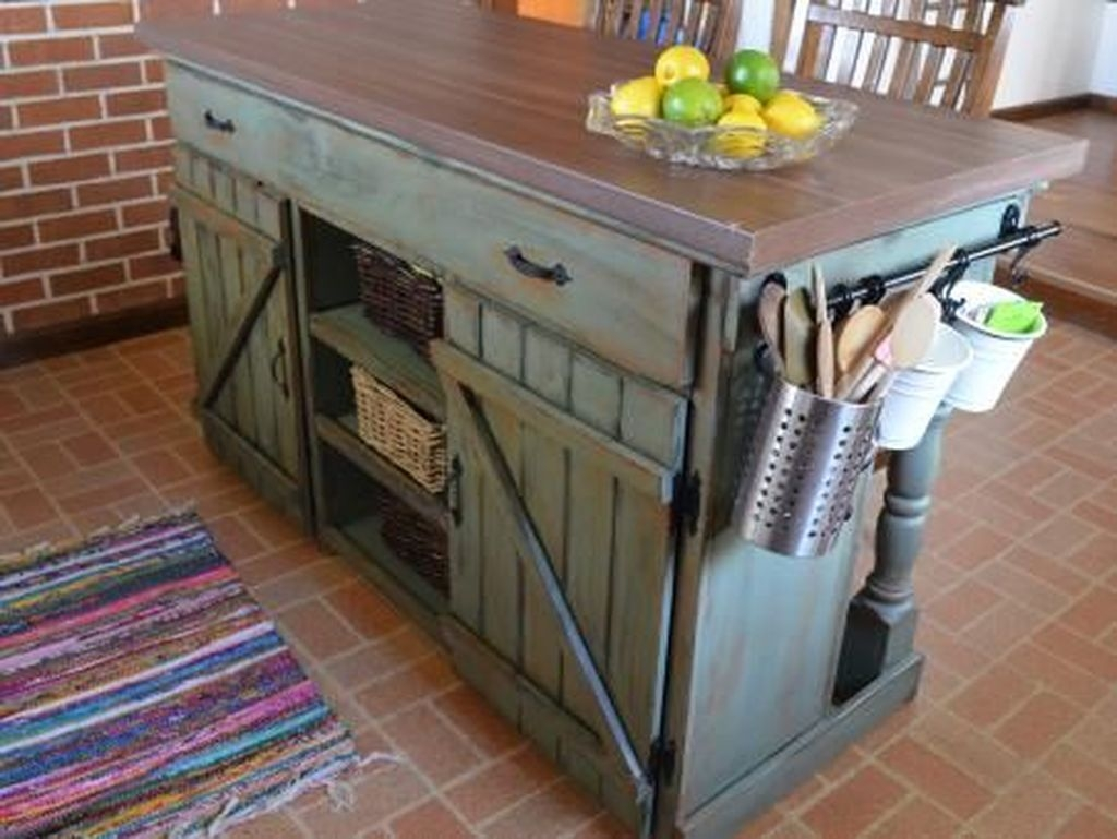 Awesome Rustic Kitchen Island Design Ideas 11