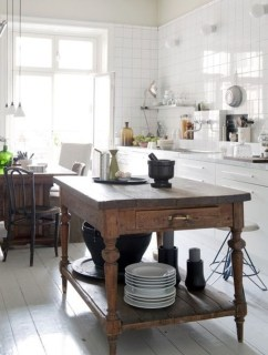 Awesome Rustic Kitchen Island Design Ideas 29