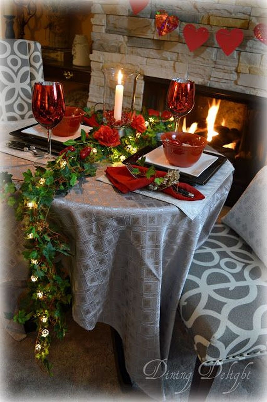 Beautiful And Romantic Valentine Dining Table Decoration Ideas 04