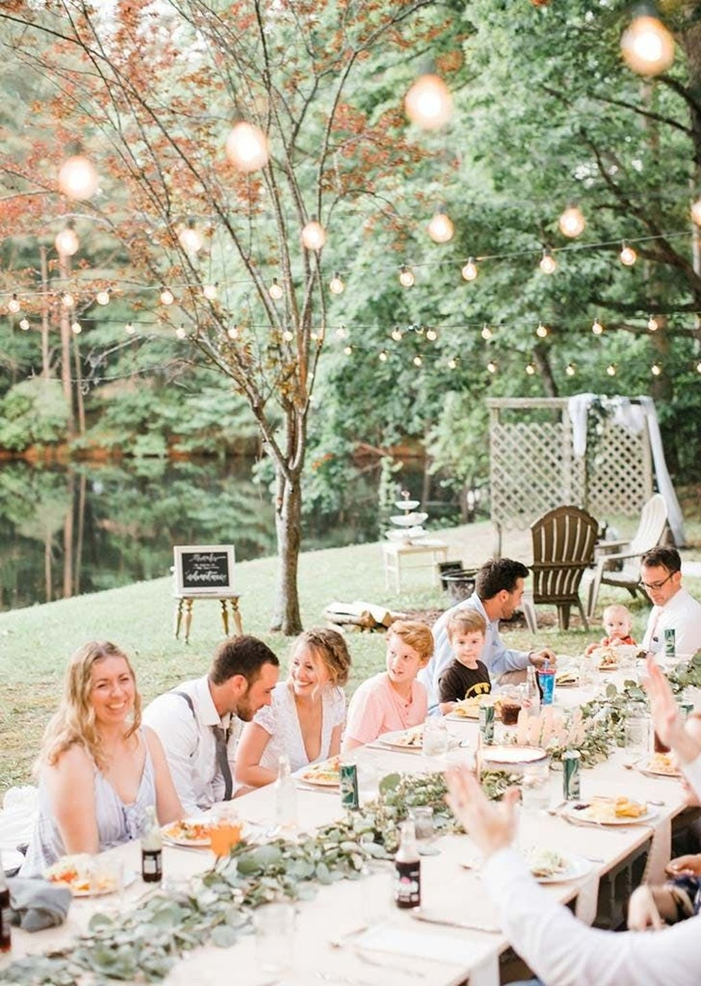 Beautiful Backyard Wedding Decor Ideas To Get A Romantic Impression 07