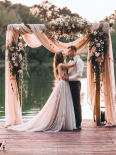 Beautiful Backyard Wedding Decor Ideas To Get A Romantic Impression 20