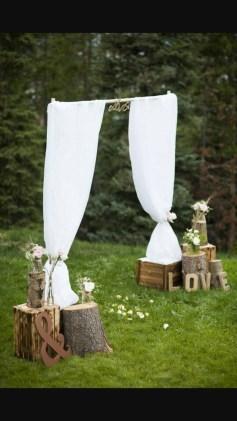 Beautiful Backyard Wedding Decor Ideas To Get A Romantic Impression 43
