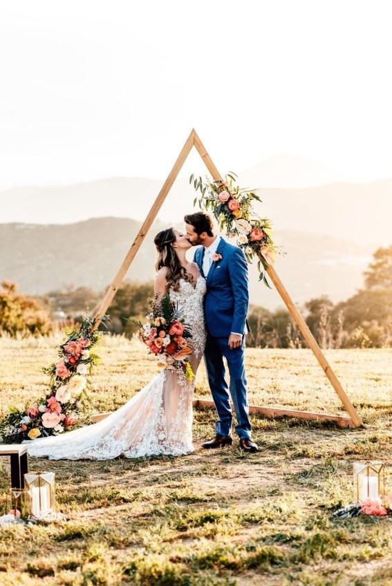 Beautiful Backyard Wedding Decor Ideas To Get A Romantic Impression 45