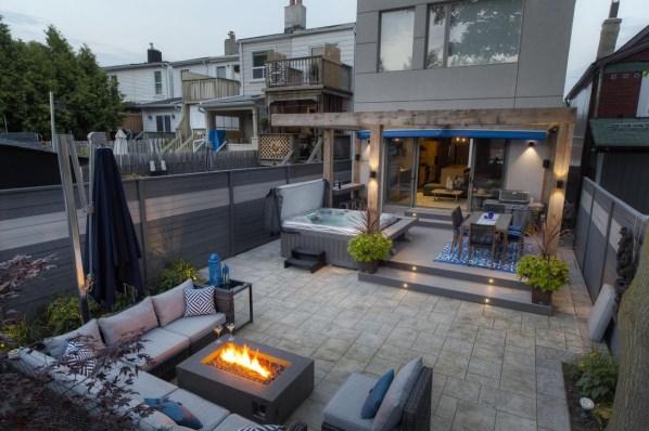 Beautiful Modern Backyard Landscaping Design Ideas 23