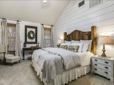 Beautiful Modern Farmhouse Master Bedroom Decoration Ideas 04