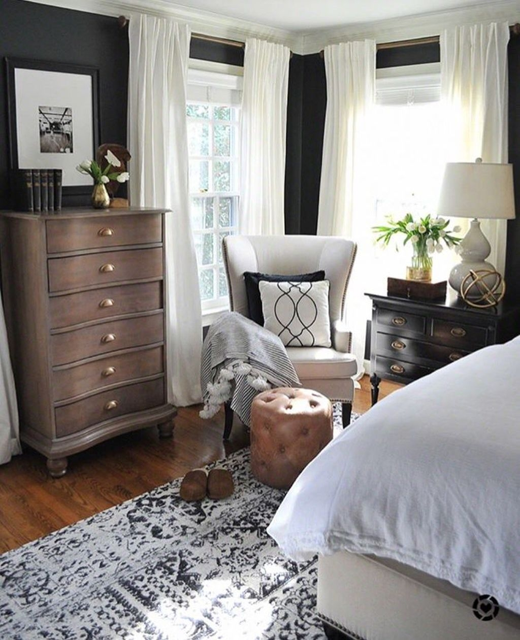 Beautiful Modern Farmhouse Master Bedroom Decoration Ideas 12