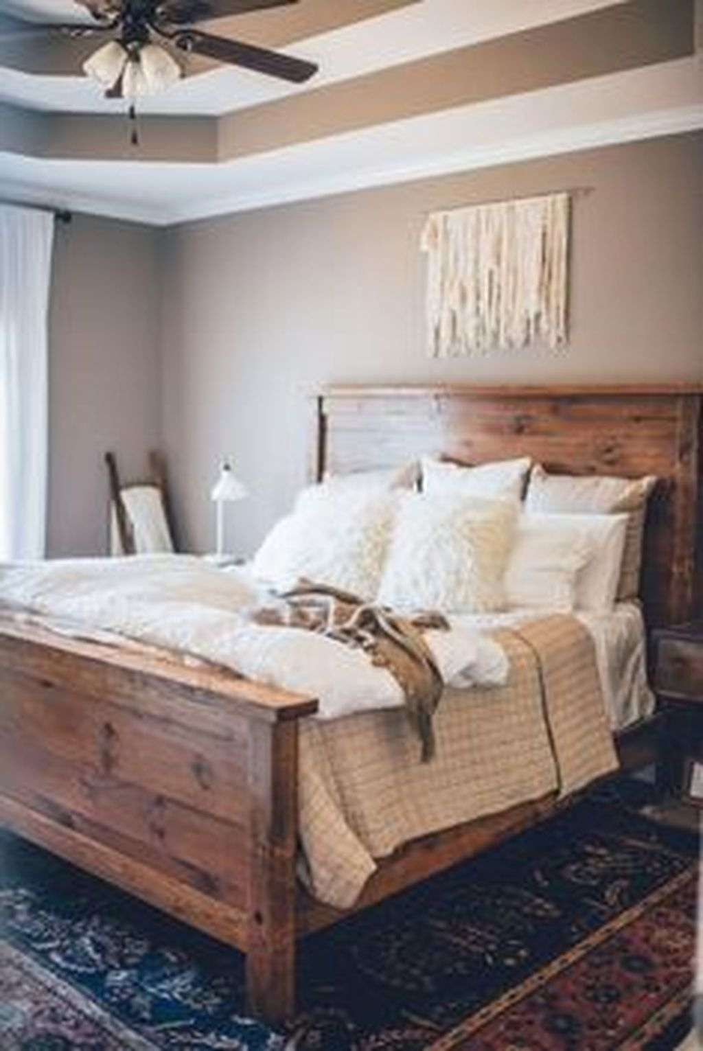 Beautiful Modern Farmhouse Master Bedroom Decoration Ideas 22