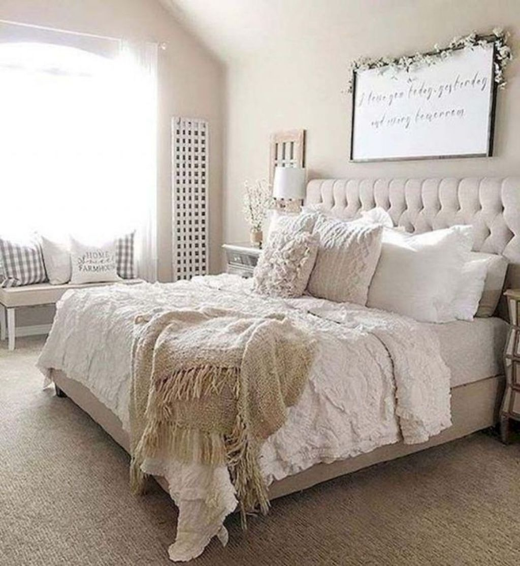 Beautiful Modern Farmhouse Master Bedroom Decoration Ideas 40