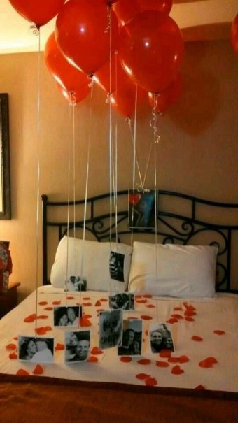 Cute And Romantic Valentine Bedroom Decor Ideas 12