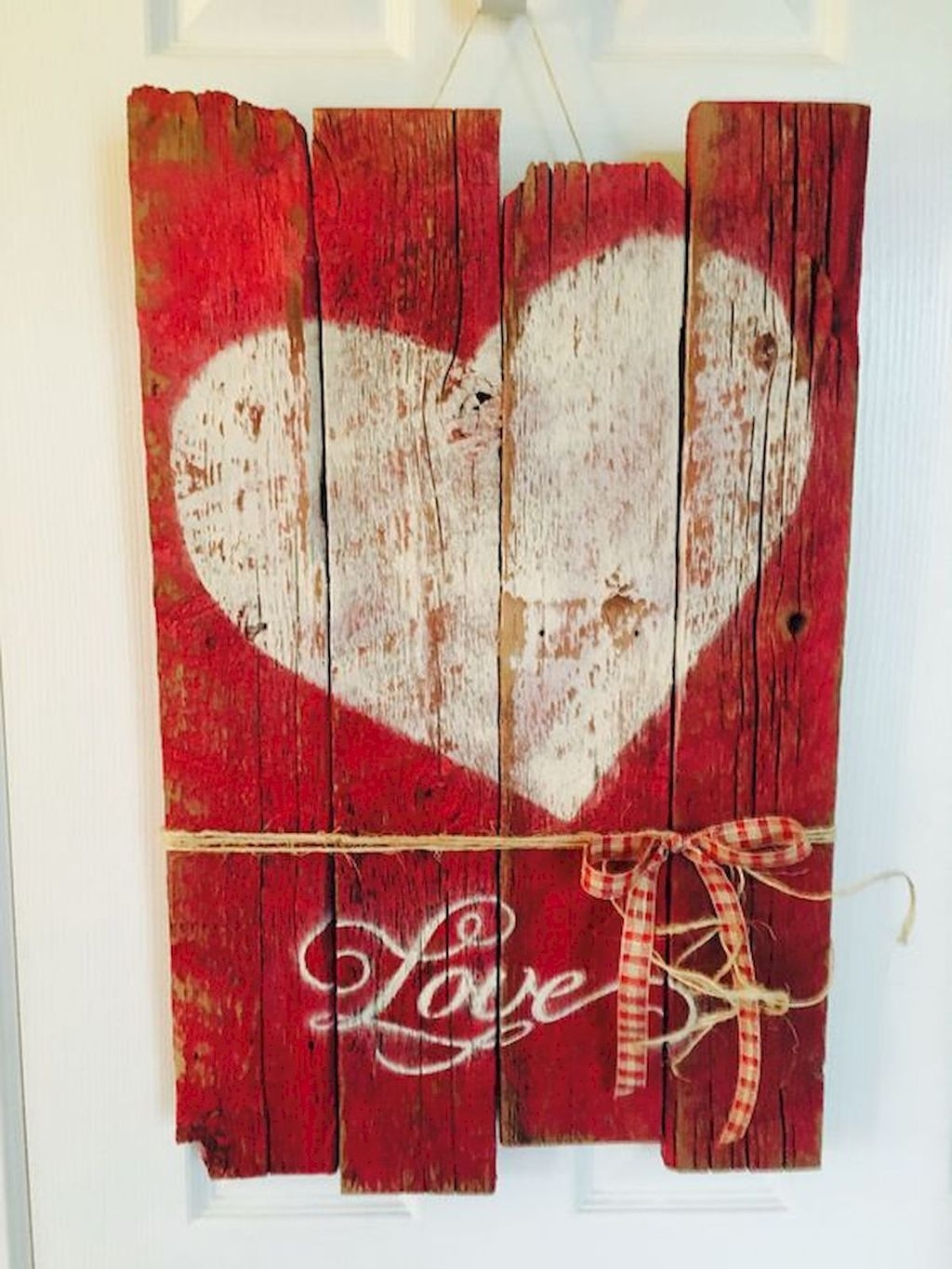 Cute Farmhouse Style Valentine Decorations 29