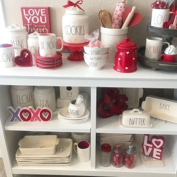 Cute Farmhouse Style Valentine Decorations 30