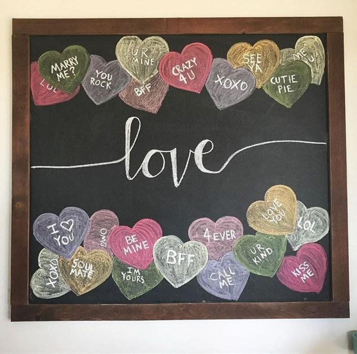 Cute Farmhouse Style Valentine Decorations 44