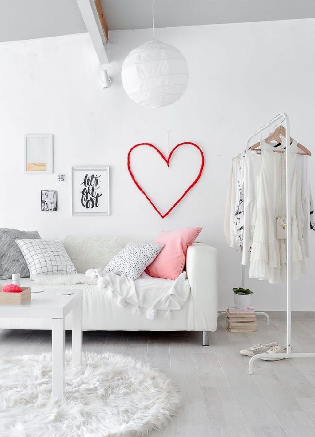 Cute Valentine Wall Art Design Ideas 38