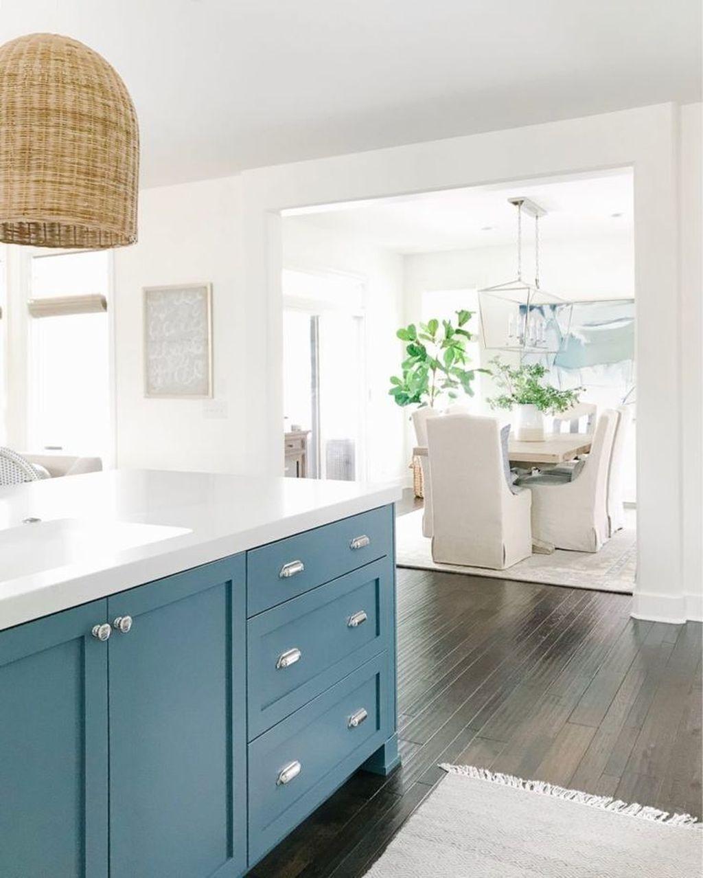 Gorgeous Coastal Kitchen Design Ideas 05