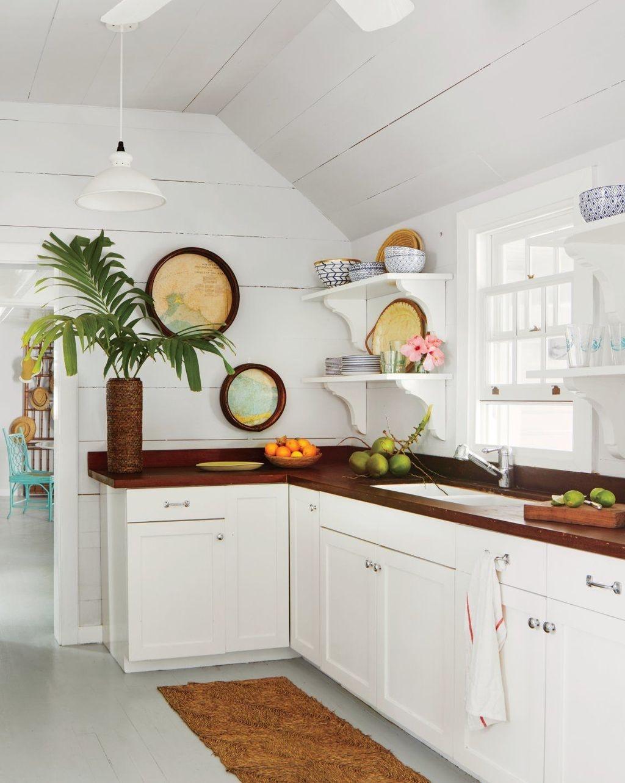 Gorgeous Coastal Kitchen Design Ideas 09