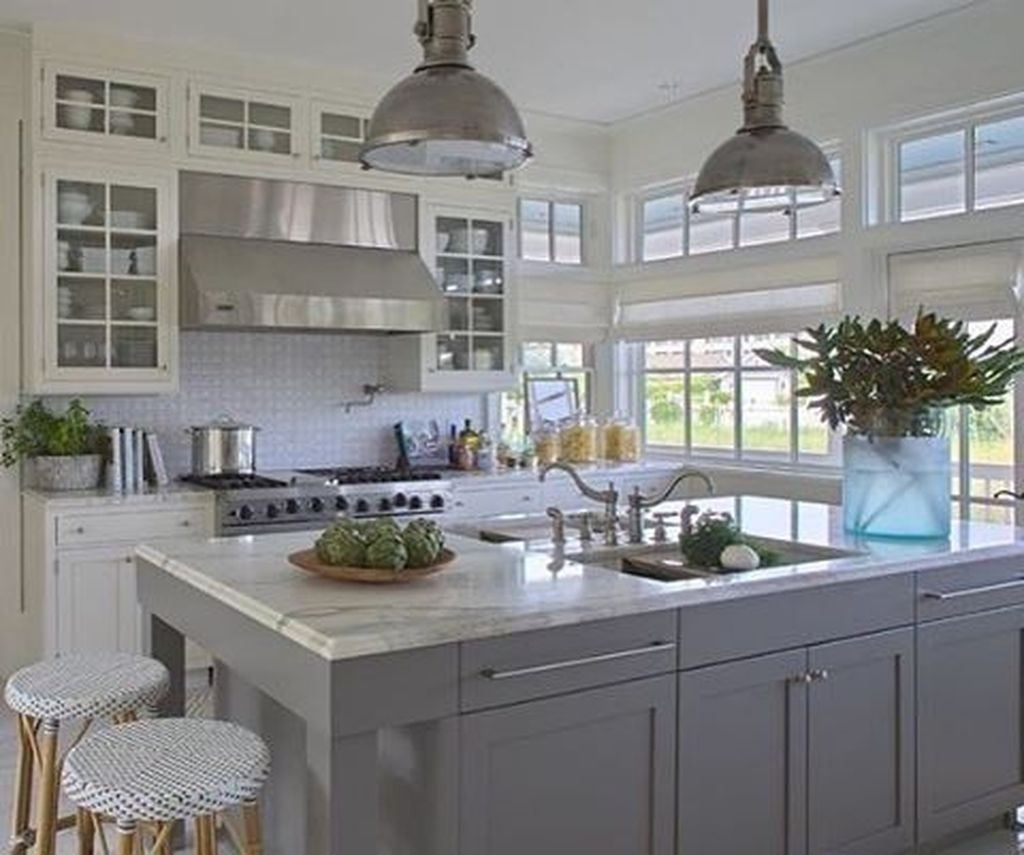 Gorgeous Coastal Kitchen Design Ideas 23