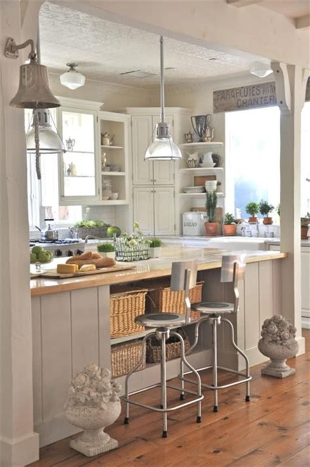Gorgeous Coastal Kitchen Design Ideas 28