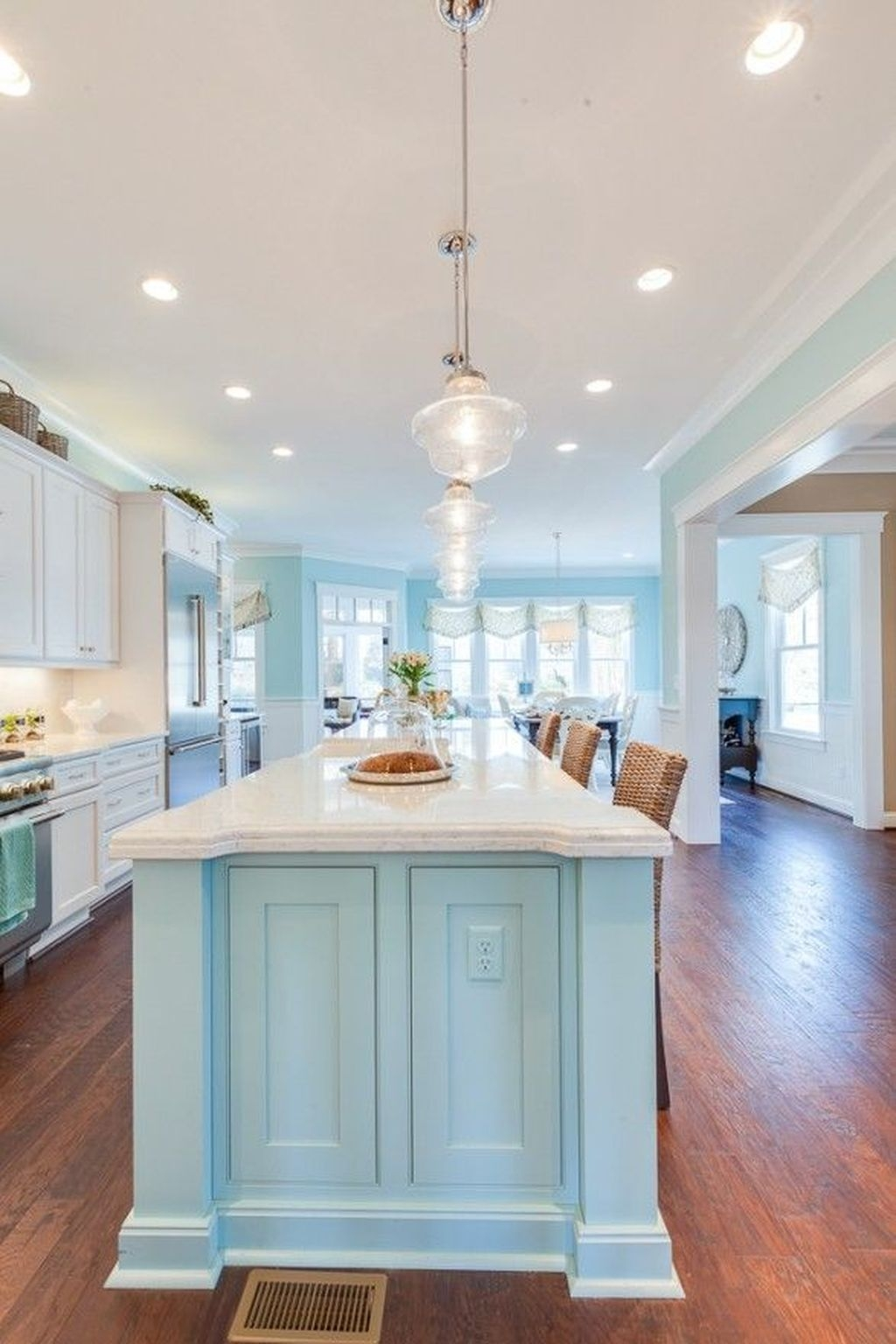 Gorgeous Coastal Kitchen Design Ideas 35
