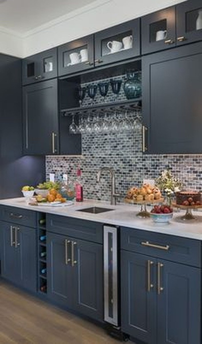 Inspiring Dark Grey Kitchen Design Ideas 11