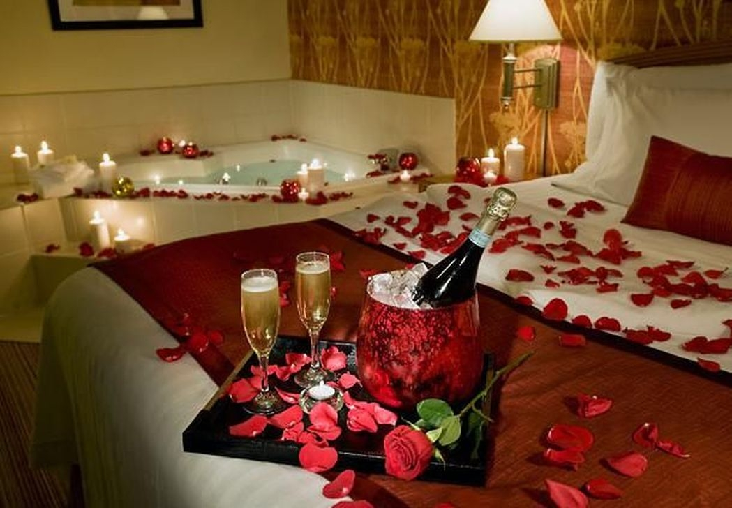 Lovely Valentine Home Decor Ideas For Couples 16
