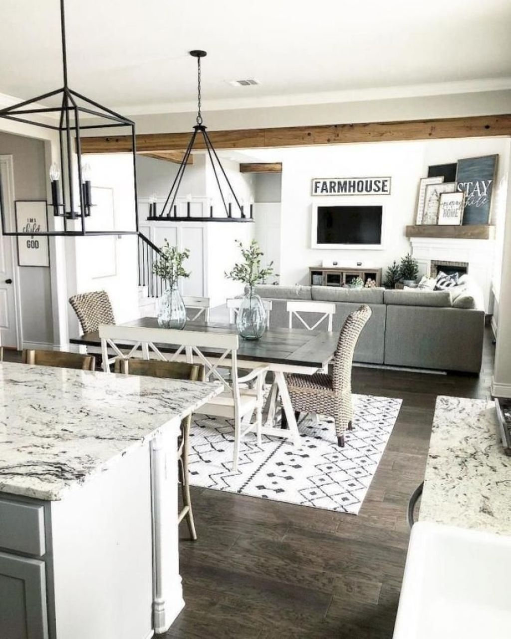 Popular Farmhouse Dining Room Design Ideas Trend 2019 26