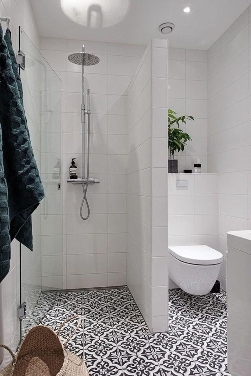 Popular Small Bathroom Remodel Ideas 41