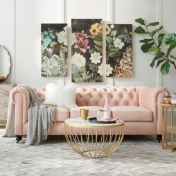 Romantic Living Room Decor With Valentine Themes 38