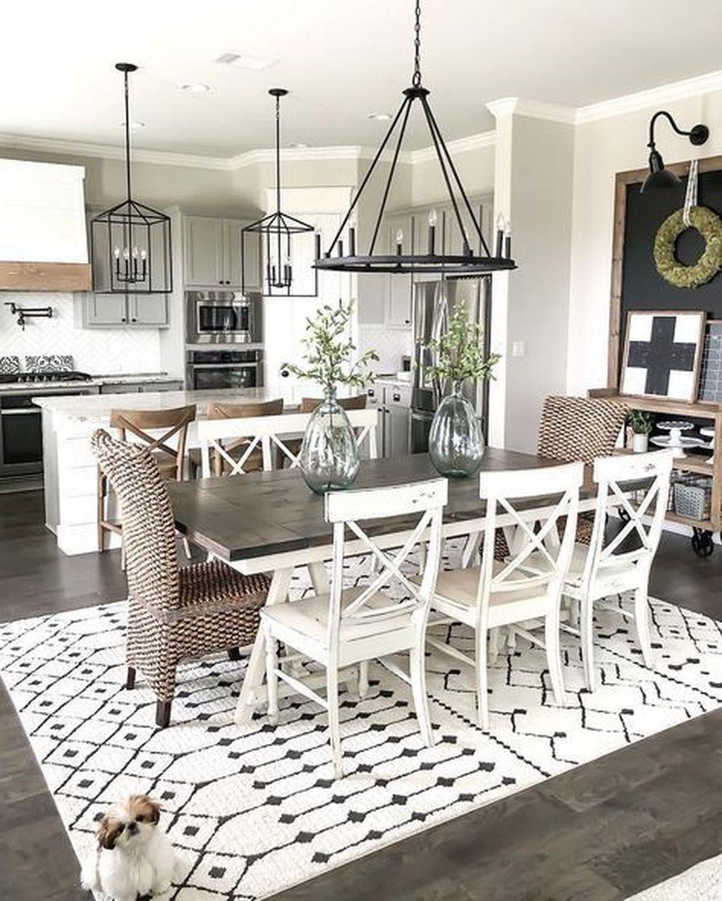 Stunning Farmhouse Dining Room Decoration Ideas 16