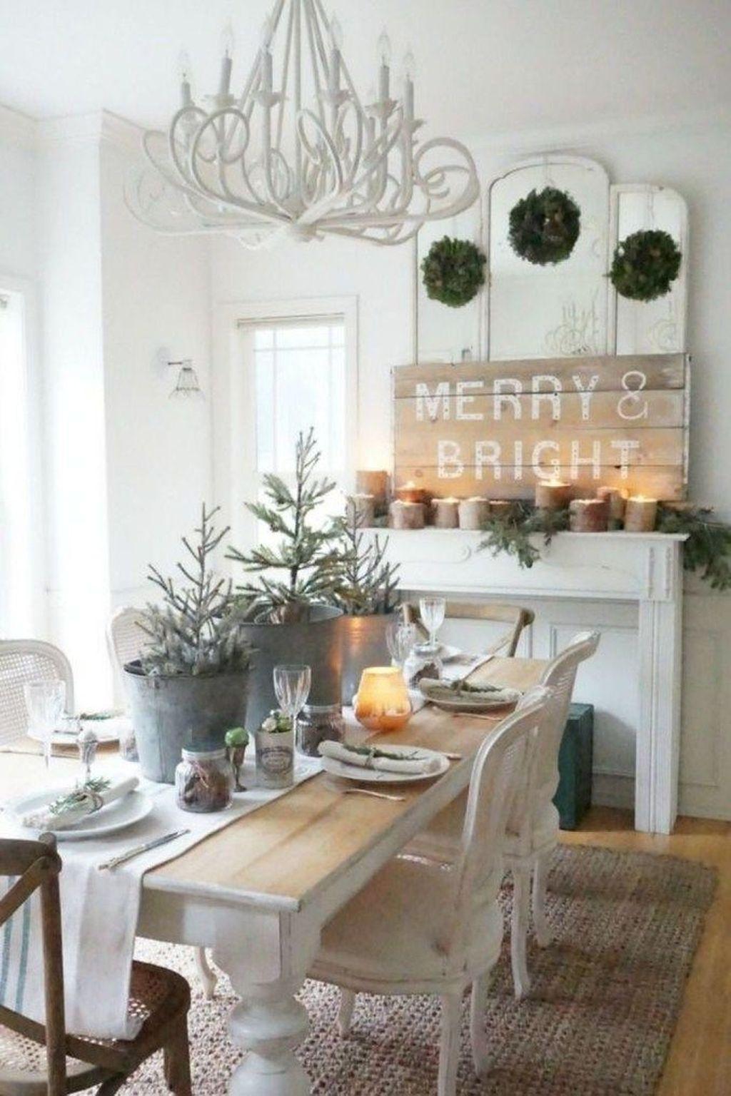 Stunning Farmhouse Dining Room Decoration Ideas 23