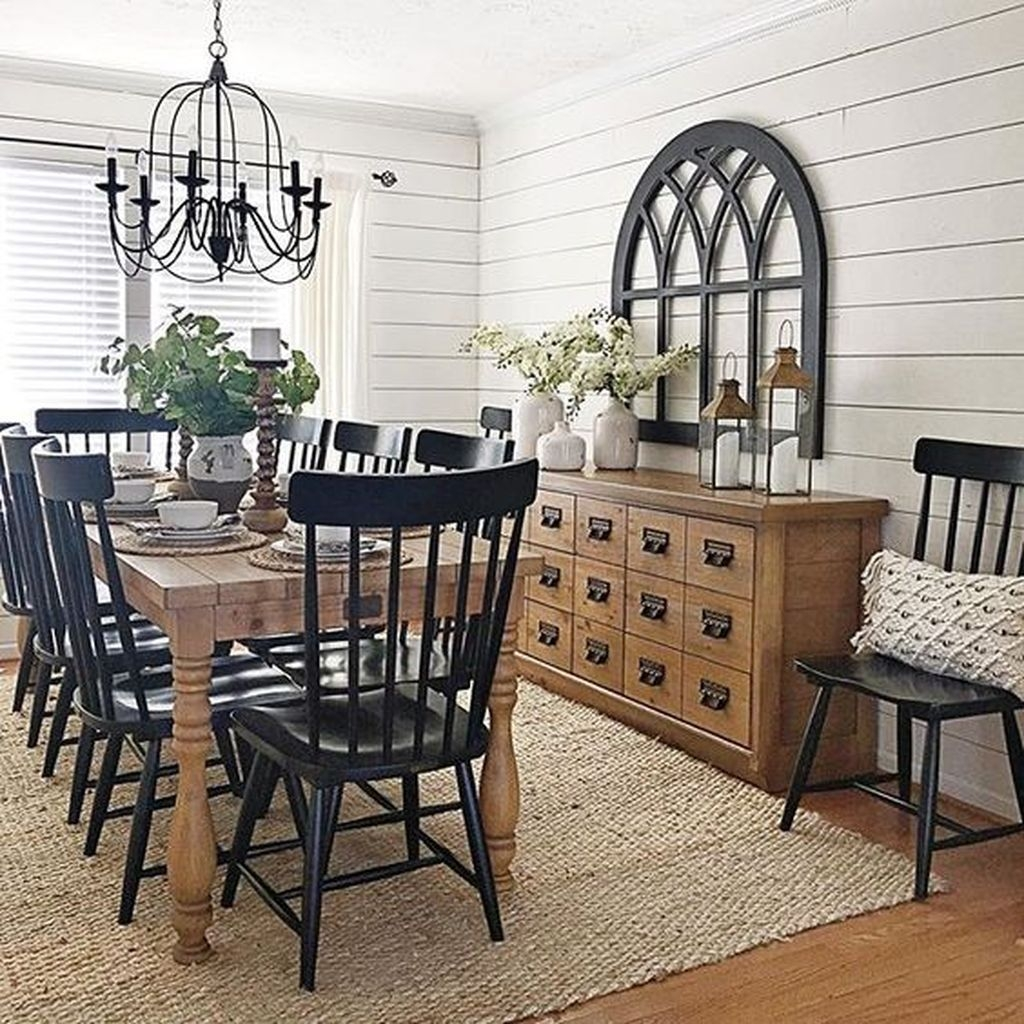 Stunning Farmhouse Dining Room Decoration Ideas 30