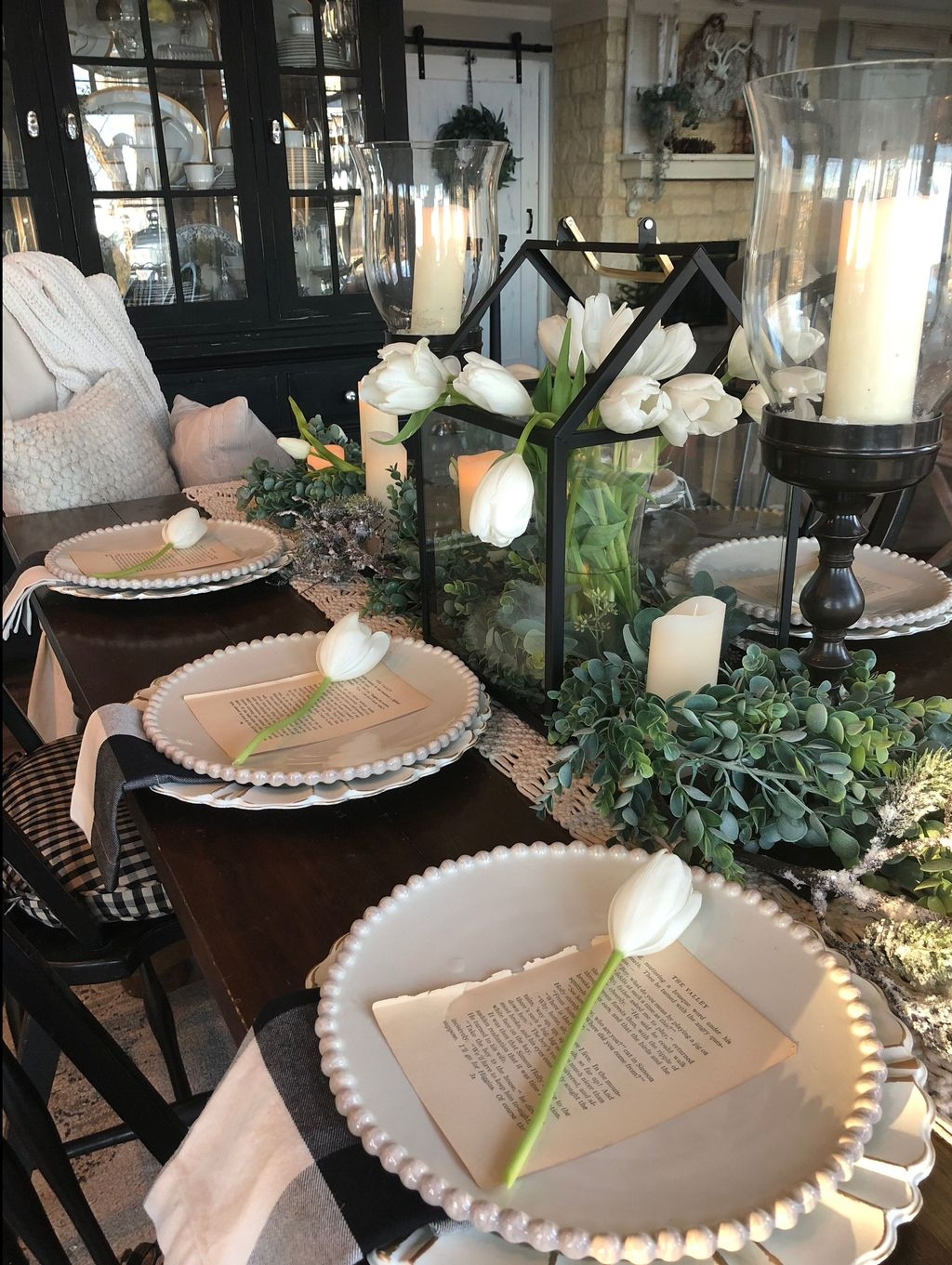 Stunning Farmhouse Dining Room Decoration Ideas 43