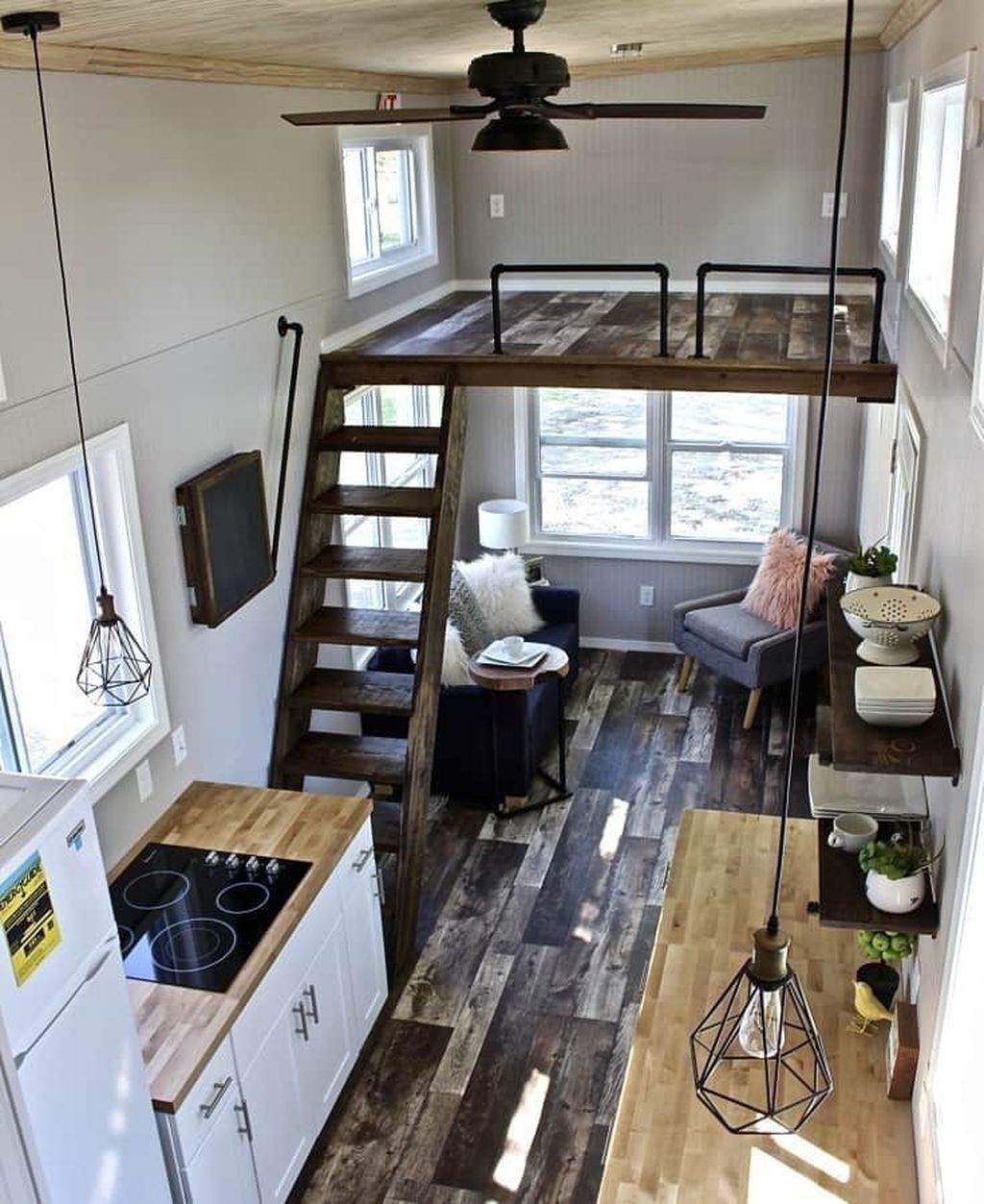 Stunning Tiny House Design Ideas 26