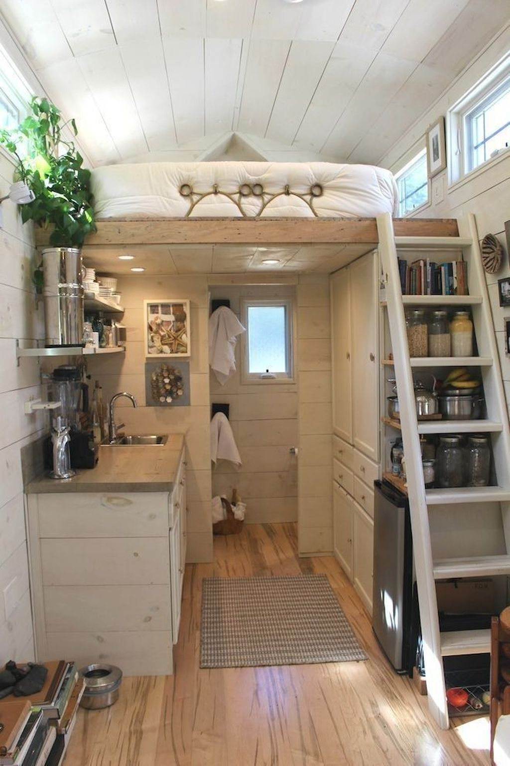 Stunning Tiny House Design Ideas 42
