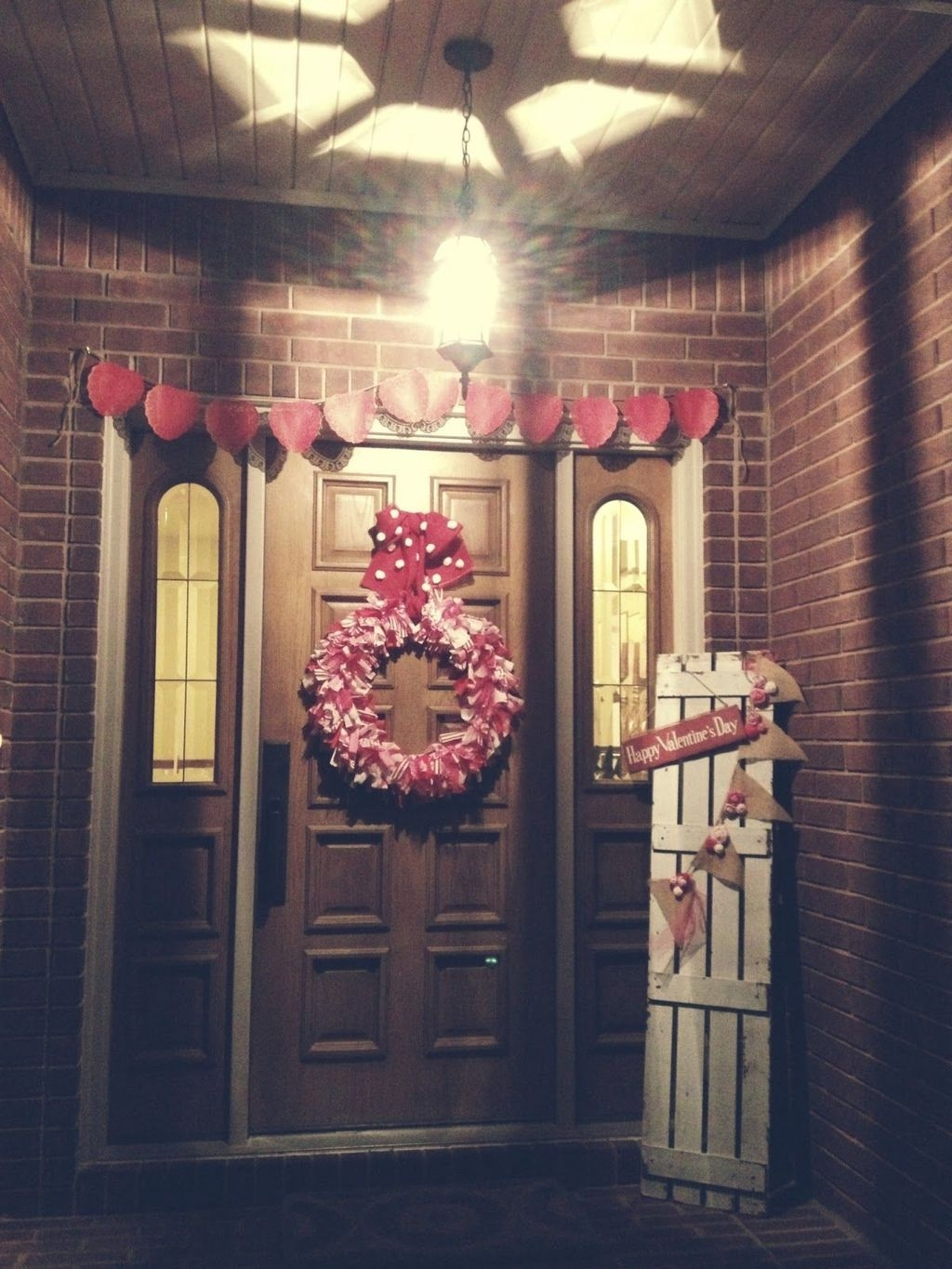 Stunning Valentines Day Front Porch Decor Ideas 15