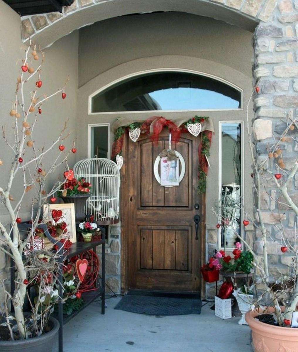 Stunning Valentines Day Front Porch Decor Ideas 29