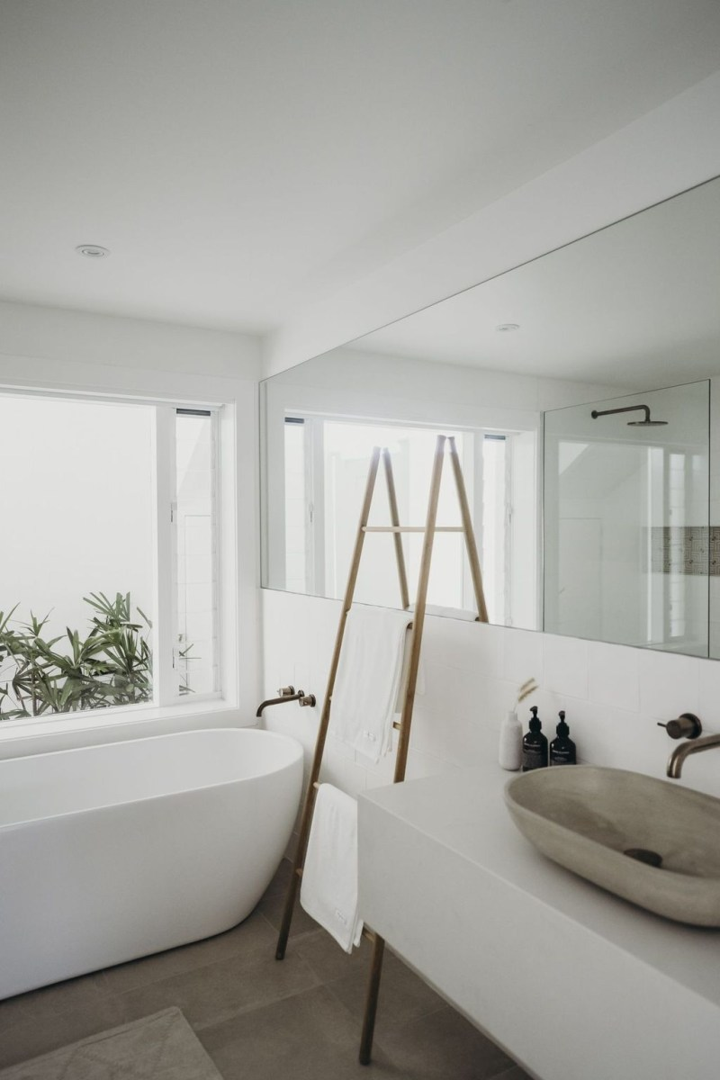 The Best Ideas To Creating Cozy Minimalist Bathroom 21