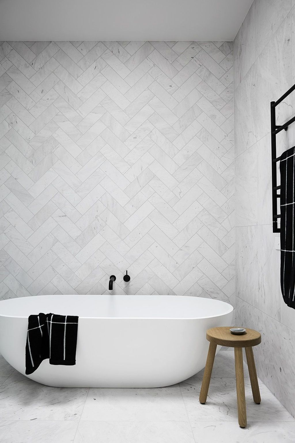The Best Ideas To Creating Cozy Minimalist Bathroom 40