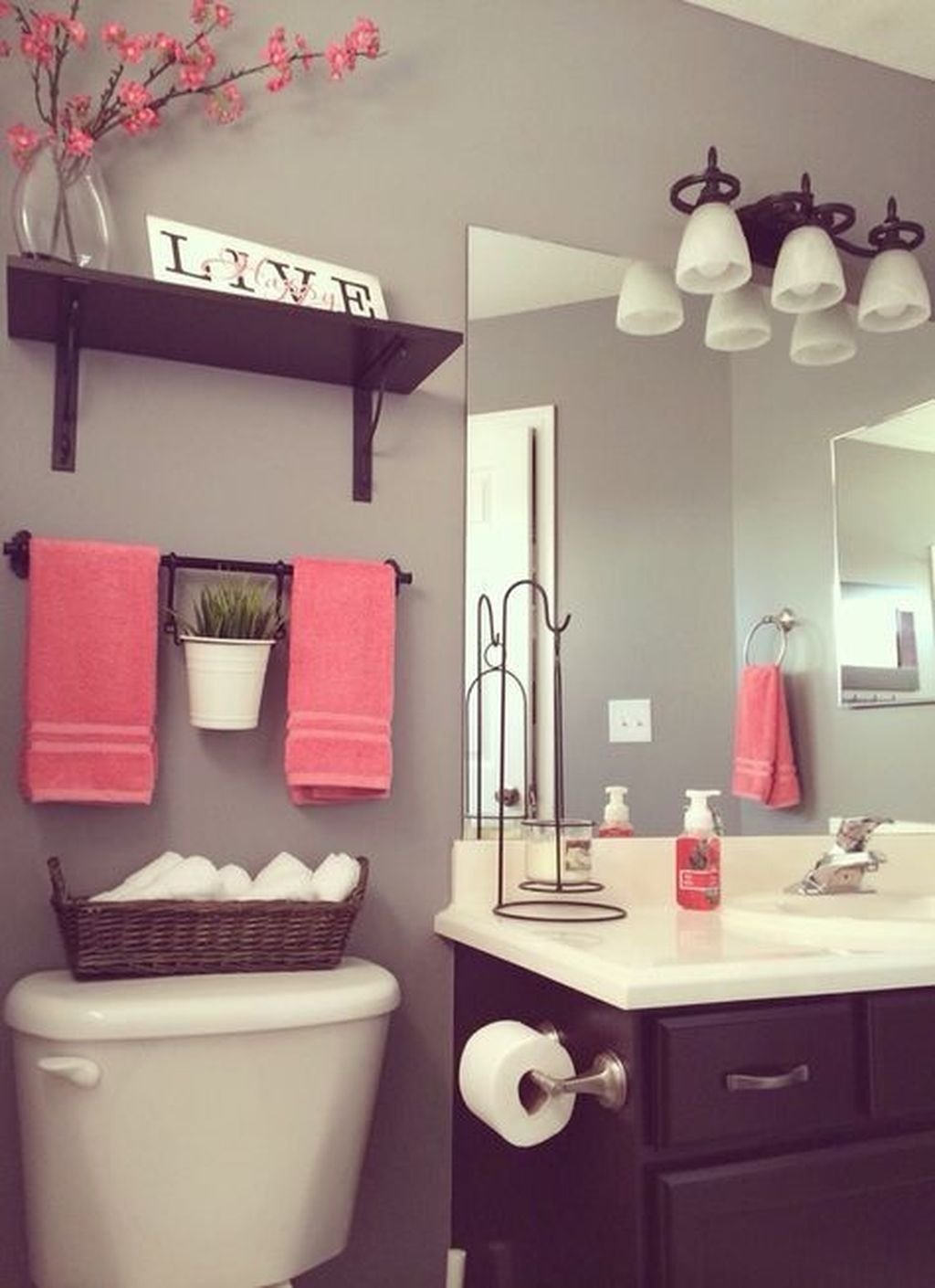 Totally Adorable Small Bathroom Decor Ideas 18