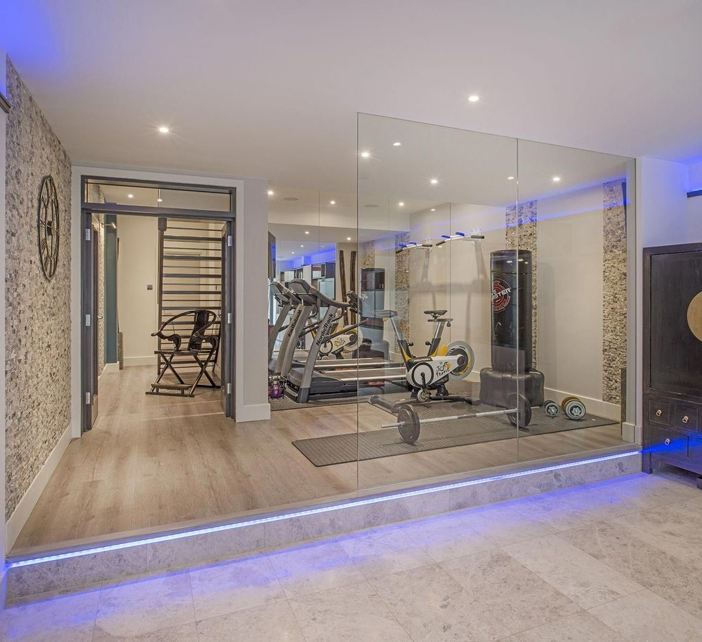 Amazing Home Gym Room Design Ideas 24