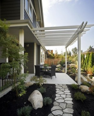 Brilliant Small Backyard Design Ideas On A Budget 08