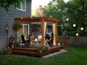 Brilliant Small Backyard Design Ideas On A Budget 35