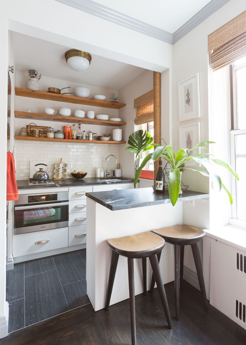 Totally Inspiring Small Kitchen Design Ideas For Your Small Home 22