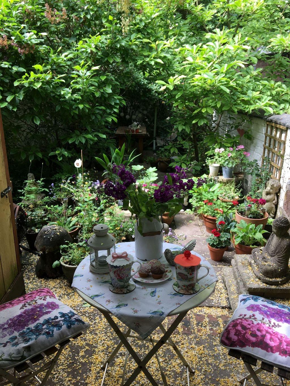 Beautiful Flower Garden Design Ideas 08
