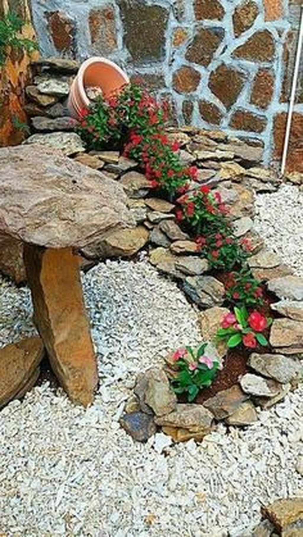 Beautiful Flower Garden Design Ideas 16
