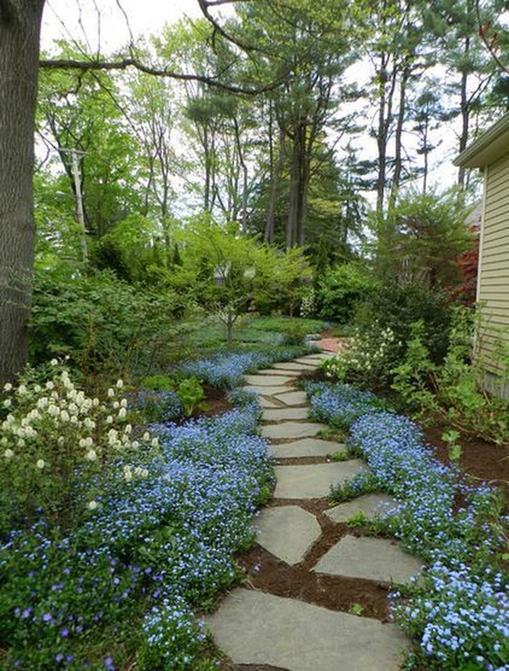 Beautiful Flower Garden Design Ideas 34