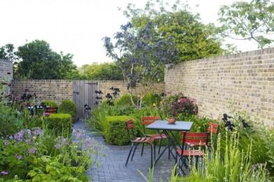 Beautiful Flower Garden Design Ideas 37