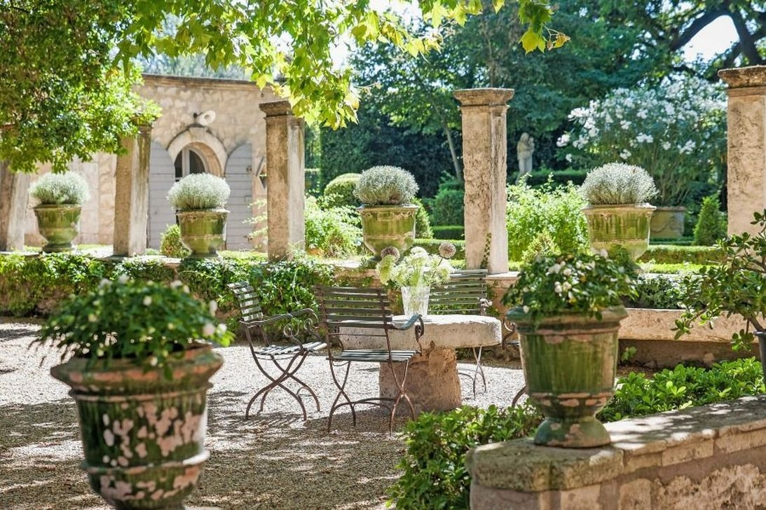 Stylish French Country Exterior For Your Home Design Inspiration 30