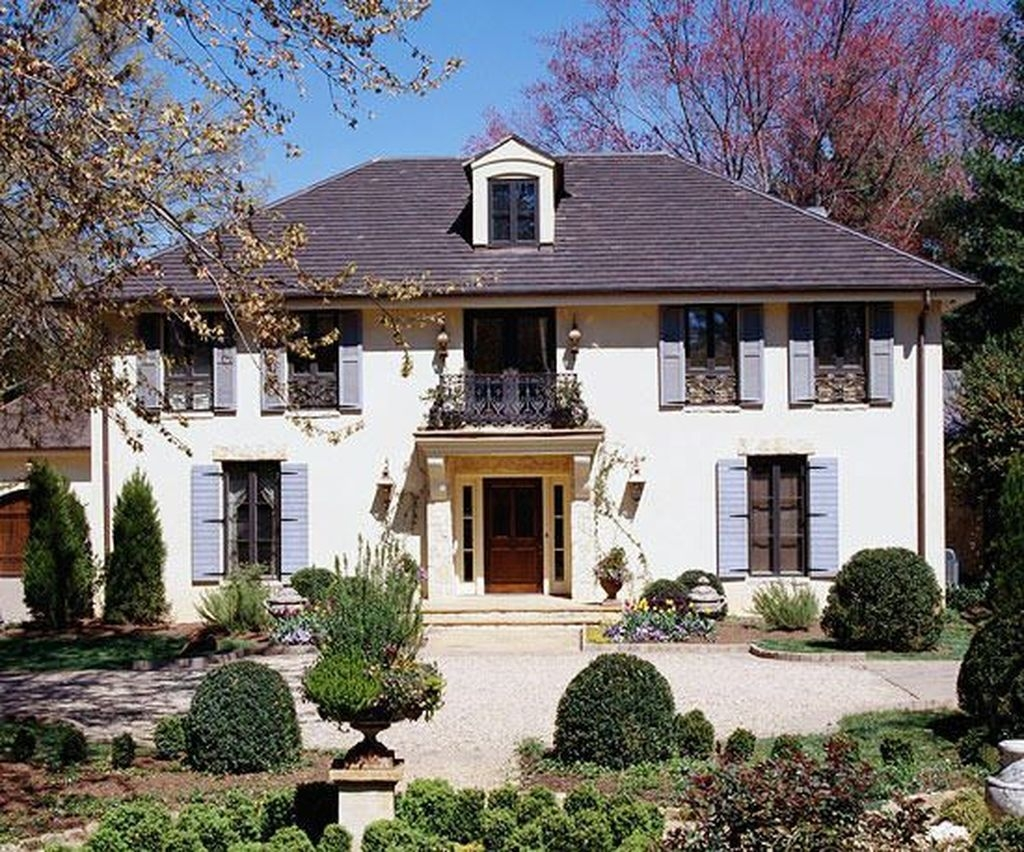 Stylish French Country Exterior For Your Home Design Inspiration 31